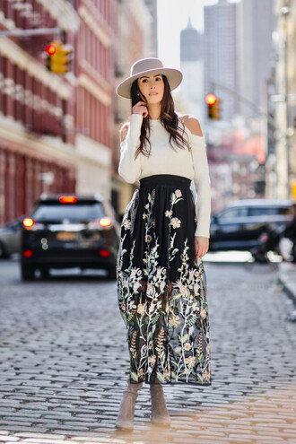 skirt maxi skirt embroidered skirt cut-out sweater sweater hat boots blogger blogger style