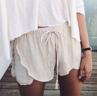 shorts light beautiful summer shorts style nude short beige cream white loose drawstring shorts summer summer outfits short shorts short nude comfy summer top summer accessories summer dress linen linen shorts nude shorts white top top