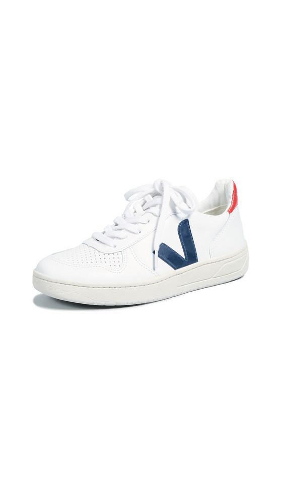 Veja V-10 Sneakers in white