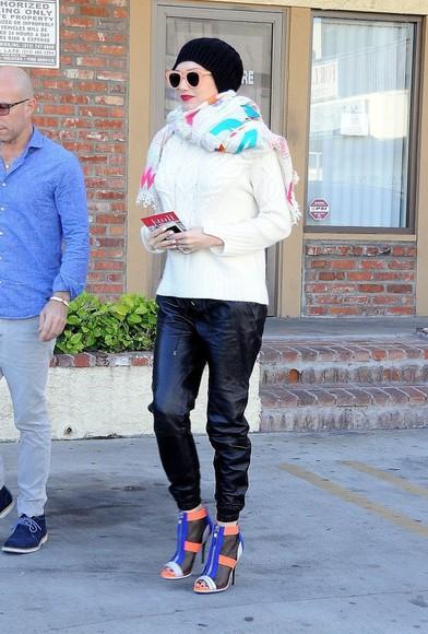 pants sunglasses fall outfits gwen stefani faux leather