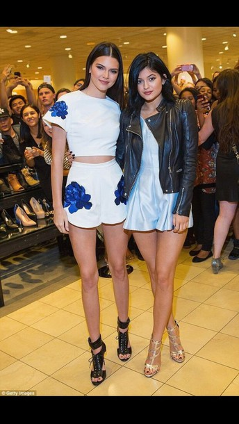 white shorts two-piece co-ordinates shorts kendall jenner crop tops dress with or without shoes