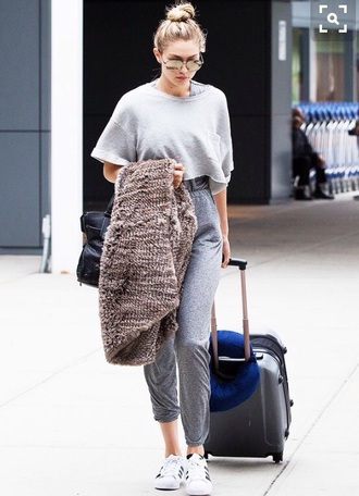 shirt grey top baggy large comfy gigi hadid model fashion pretty