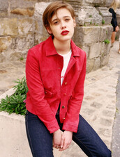 jacket,french girl style,leather jacket,suede jacket,red jacket,rouje,t-shirt,white t-shirt,jeans,blue jeans,red lipstick