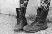 shoes,boots,combat boots,military boots,loose,loose boots,black,boot,combat,cool,edgy,grunge,grunge shoes,pants,fashion,roses,black jeans