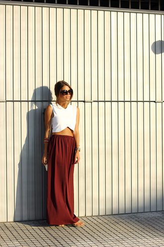 skirt bag t-shirt jewels sunglasses seams for a desire
