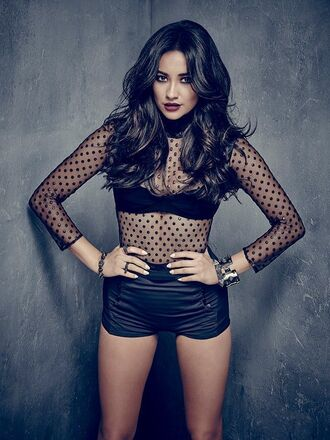 shorts pretty little liars emily fields shay mitchell