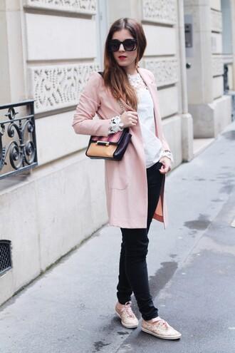 elodie in paris blogger pink shoes shoulder bag pink coat black sunglasses