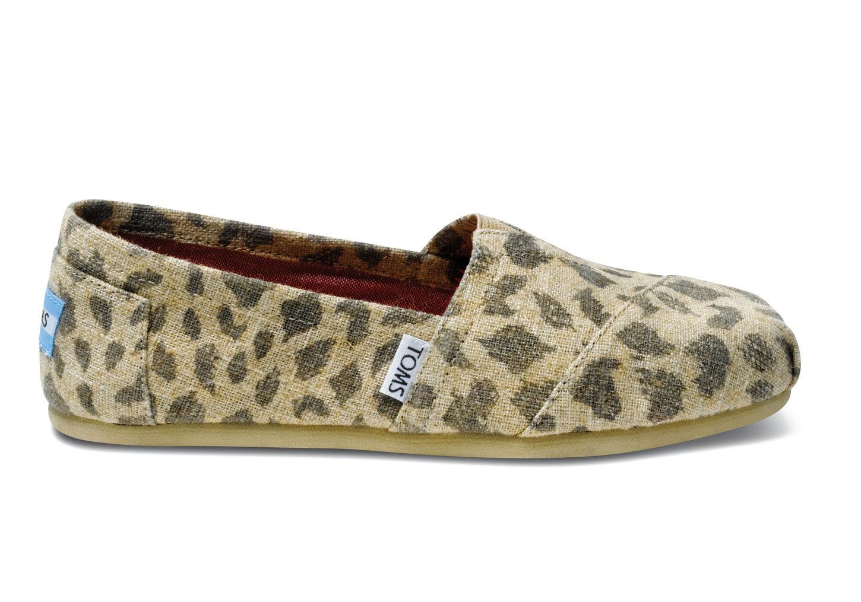 8665bb02559 Natural Leopard Burlap Women s Classics