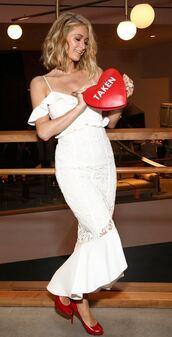 dress,midi dress,white,white dress,pumps,paris hilton,off the shoulder,off the shoulder dress,clutch,bag