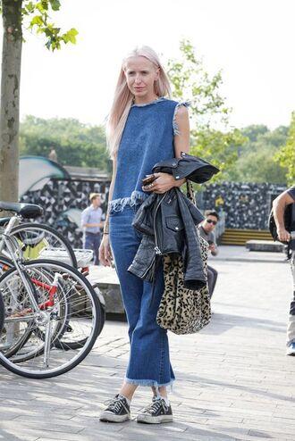 top frayed denim frayed top frayed jeans denim top denim jeans baggy jeans converse sneakers bag leopard print leopard bag leather jacket streetstyle