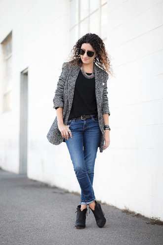alterations needed blogger jacket t-shirt jeans shoes jewels belt grey coat ankle boots fall outfits black top