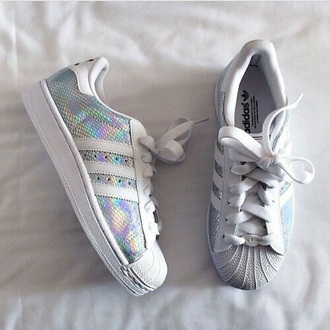 shoes adidas sneakers fashion silver adidas shoes trendy metallic summer white adidas superstars style boogzel