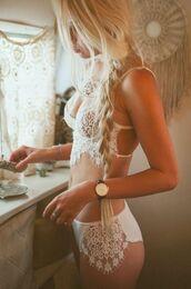 white bra,white lingerie,lingerie,lace lingerie,lace bra,underwear,thong,sexy lingerie,lace,white,bra,summer vibe,summer,ss16,boho vibes,summer outfits