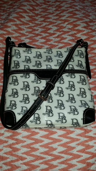 bag authentics dooney and bourke purse