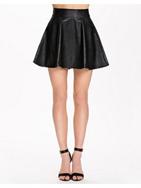 Even cooler short skirt, vero moda