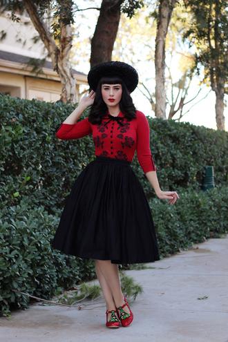southerncaliforniabelle blogger cardigan skirt shoes hat make-up retro vintage
