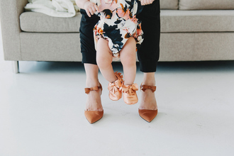 sandy a la mode blogger mother and child pointed toe shoes cute bow baby clothing