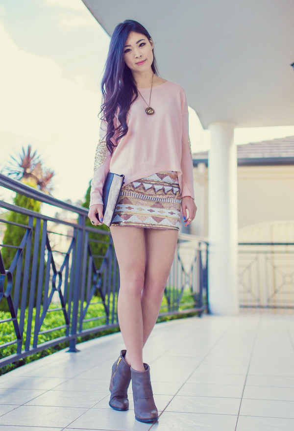 metallic paws blogger top skirt jewels shoes pink shirt pink long sleeves