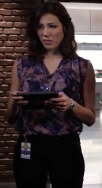 blouse,sleeveless,purple,bones tv show,angela montenegro,michaela conlin
