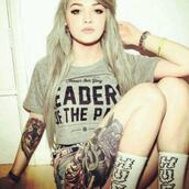 t-shirt,love,long socks,leader,grey shirt,shirt,hot,cute,tattoo,pastel hair,socks,vans warped tour,huf,grey,loose,black words,crop tops