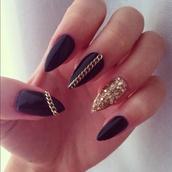 nail polish,nails,claws,black,gold,black and gold,nail accessories,black nail polish,gold chain,gold glitter