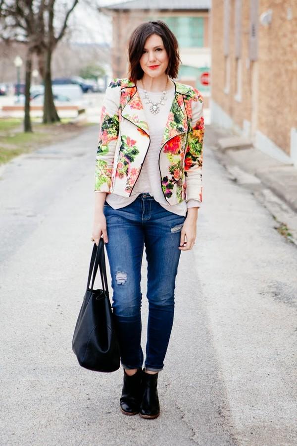 kendi everyday jacket t-shirt jeans jewels shoes bag