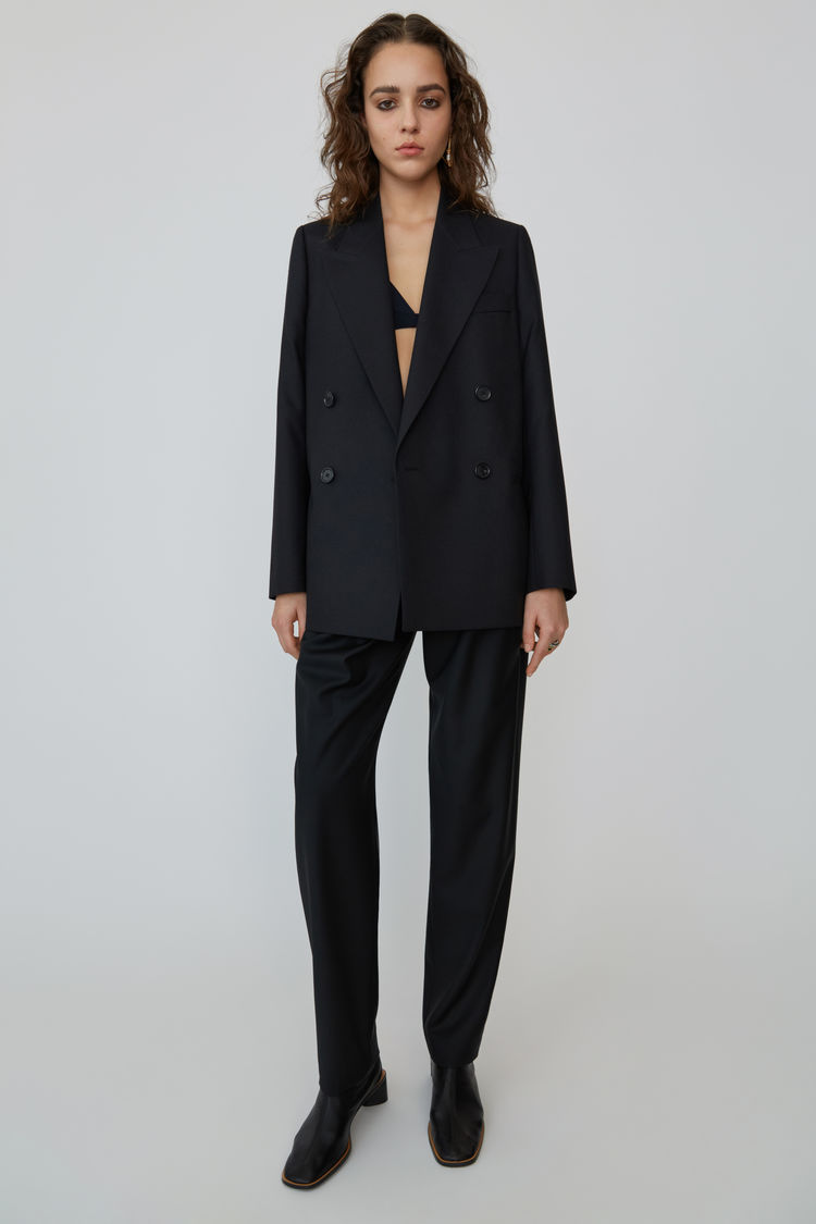FN-WN-SUIT000001