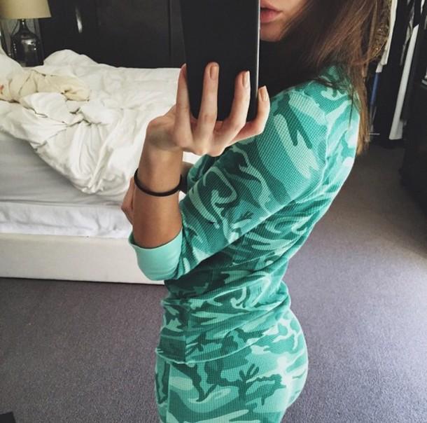 pajamas kendal kardashian camo pjss turquoise kendall jenner camouflage green top shirt pants camouflage kardashians kardashians