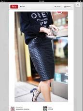 bag,skirt,sweater,quilted,texture,black skirt,pencil skirt,midi skirt,black sweater,all black everything