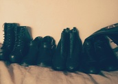 shoes,boots,boots combat,black boots,boots grunge,grunge shoes,grunge,leather,karen aguilera