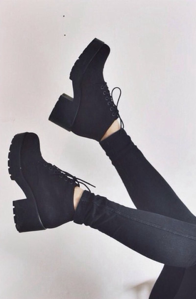 Shoes: boots black laced high heels chunky heel winter boots