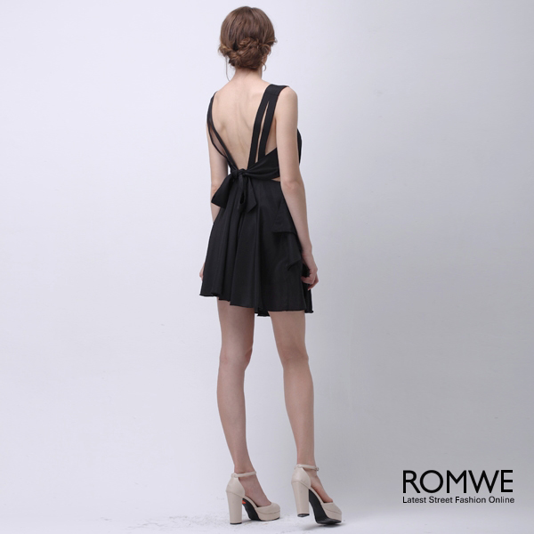 ROMWE | Cut-out Back Pleated Black Dress, The Latest Street Fashion