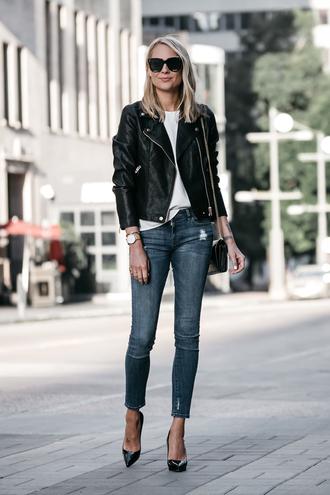 fashionjackson blogger jacket tank top jeans bag shoes sunglasses jewels