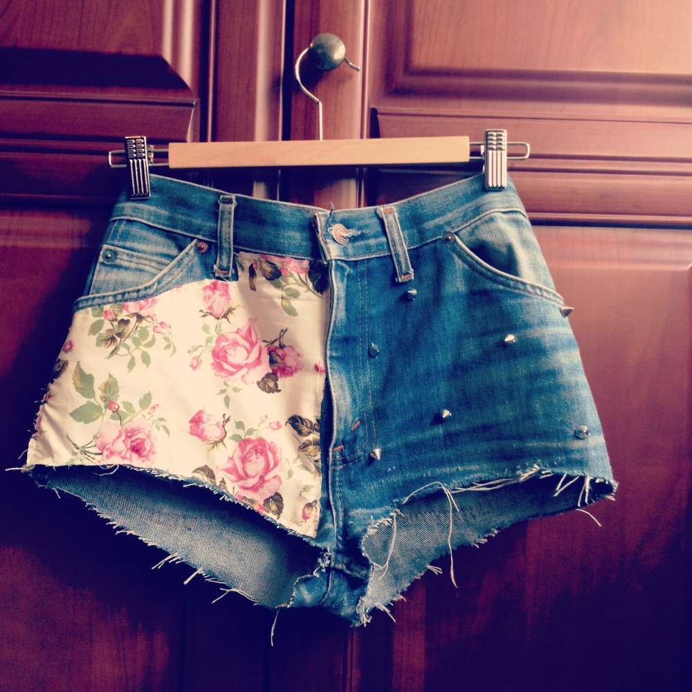 Floral High Waisted Denim Shorts / Little Miss Charming