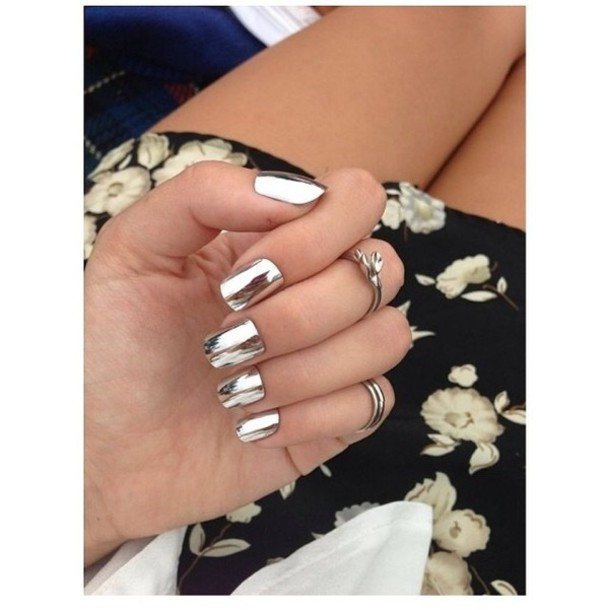 nail polish metal metallic nails skirt jewels