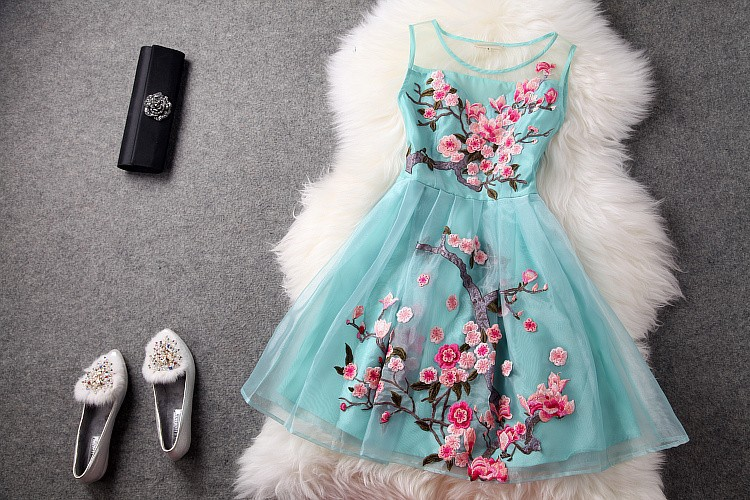 Aliexpress.com : buy blue beige black 3d flower embroidery fashion vintage brand event dress gown 2014 early spring summer designer women's dresses from reliable dresses gown suppliers on lucky girl's