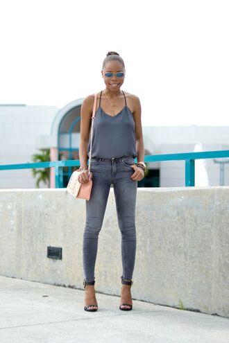 cha cha the fashion genius blogger grey tank top grey jeans black sandals pastel bag