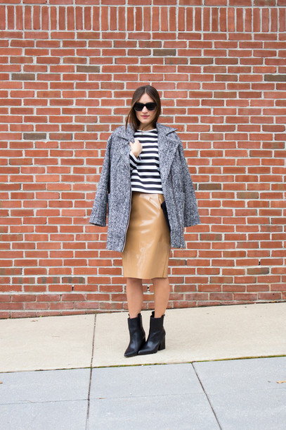 lana jayne blogger vinyl pencil skirt black boots grey coat stripes vinyl skirt nude skirt midi skirt coat top striped top boots ankle boots high heels boots sunglasses