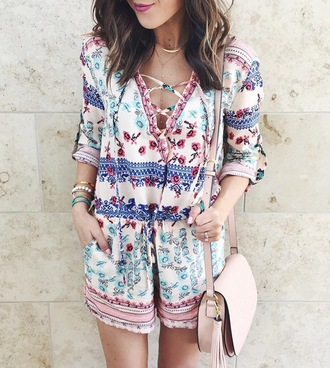 blogger jewels romper make-up cardigan sunglasses lace up floral romper pink bag lipstick summer outfits