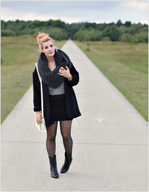 like a riot bag t-shirt skirt scarf coat shoes