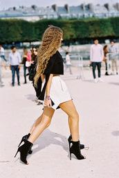 vanessa jackman,blogger,shorts,fashion week 2015,black boots,shoes,belt