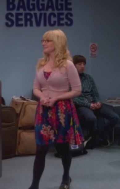 dress big bang theory bernadette rostenkowski melissa rauch floral pink cardigan