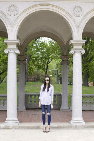 the glam files blogger skinny jeans ripped jeans white shirt