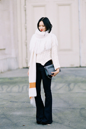 vanessa jackman blogger oversized scarf knitted scarf knitwear flare pants kick flare