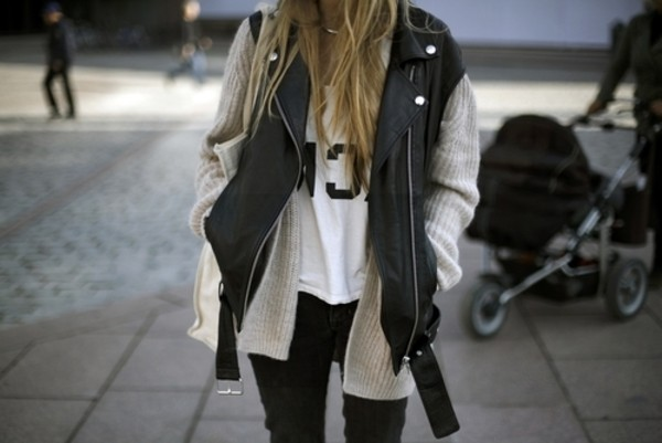 jacket outfit clothes leather wool style hipster blogger t-shirt blonde hair cardigan . black vest biker biker jacket leather jacket perfecto coat studs silver sleeveless white girly whewre to get kimono? casual cara delevingne oversized sweater sweater jeans grey cardigan white shirt jewels leather vest chik fashion streetstyle street leatherjacet
