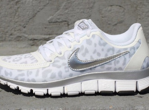 shoes sneakers white nike nike sneakers shoe running sneakers leopard print grey light gray light grey