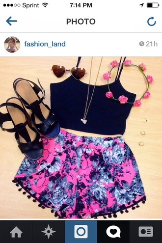 shorts shorts floral pink black and blue floral shorts