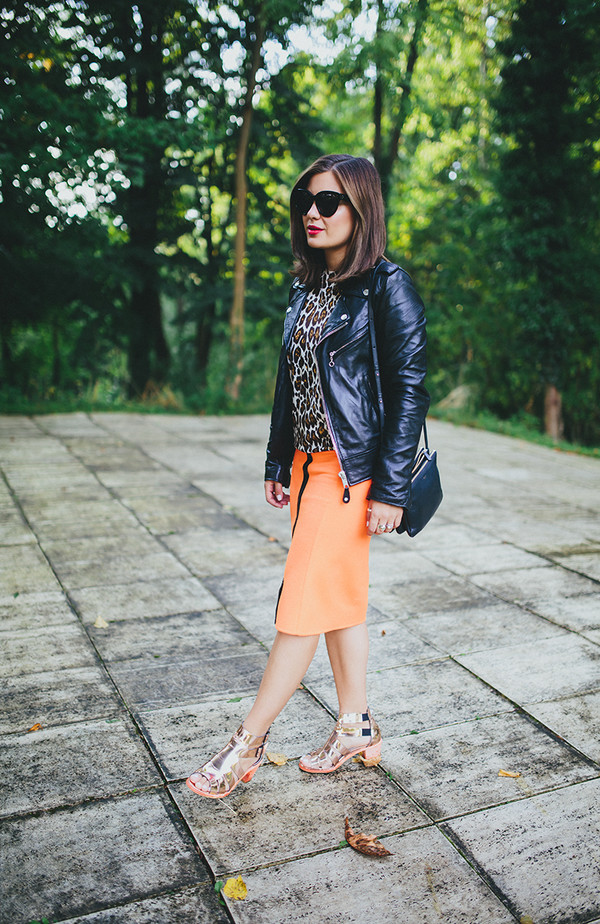 dariadaria blogger skirt shoes jacket sunglasses bag