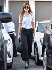 jeans,top,shirt,dakota johnson,streetstyle,celebrity