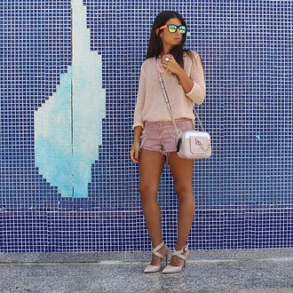 style by nelli blogger shorts dusty pink pink blush pink ripped shorts pink bag pink sweater mirrored sunglasses nude sandals all pink everything